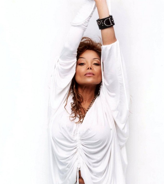 B talks about working La Toya Jackson's NYT's Best Seller
