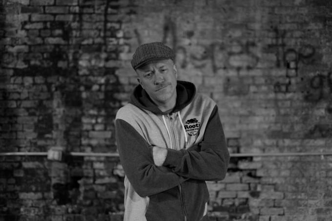 Frost Gamble & Tone Chop sign to Seven13  (Crooked I, Royce da 5'9'', Horseshoe Gang...)